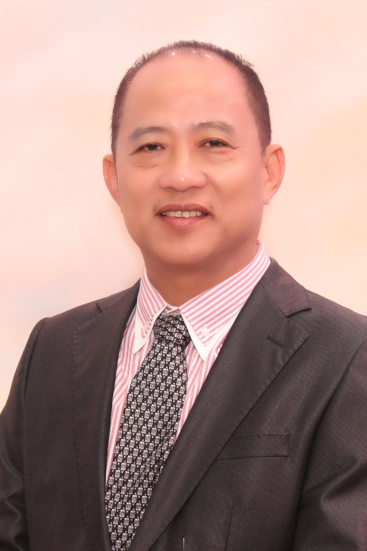 <h80>拿督刘钟隆</h80><br>Dato